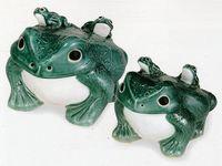 信楽焼(しがらき焼)青蛙12号(子2匹)置物