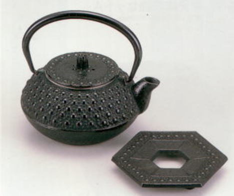 南部鉄器 急須瓶敷セット 亀甲 0.3リットル 特価 通販