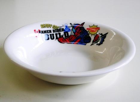 仮面ライダービルド陶器フルーツ皿