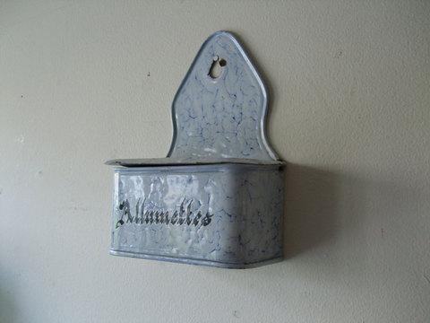 French Enamel Allumettes - ホーローアリュメット缶(マッチ入れ) -